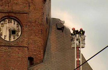 Akcja dogaszania wieży katedralnej