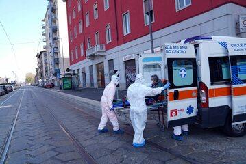 Akcja służb sanitarnych w Mediolanie