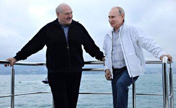 Aleksander Łukaszenka i Władimir Putin na jachcie na Morzu Czarnym, maj 2021 r.
