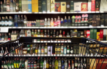 Alkohol, sklep, zdj. ilustracyjne