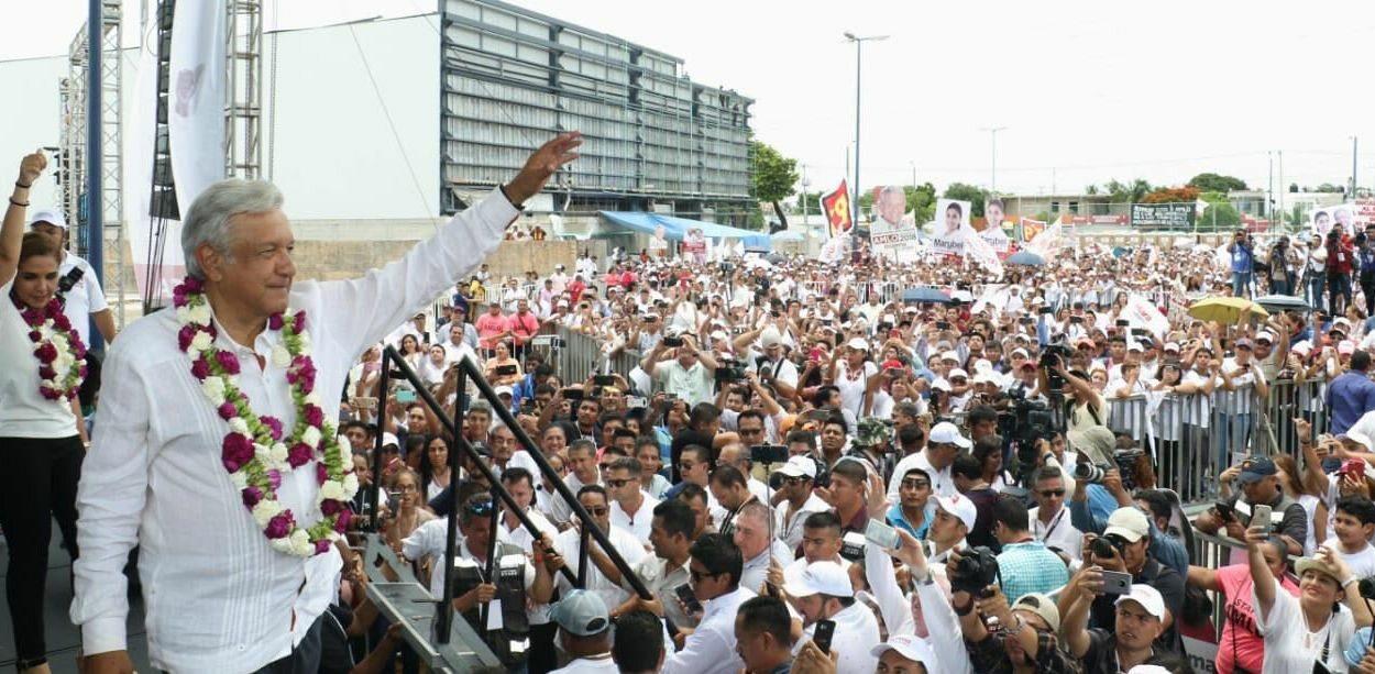 Andrés Obrador w trakcie wiecu wyborczego