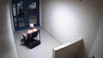 Andrew Holland w celi