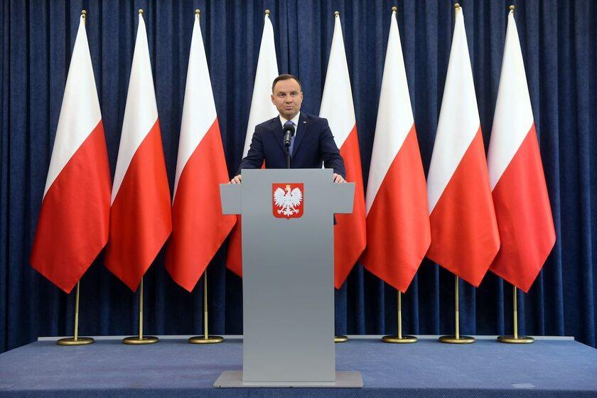 Andrzej Duda podczas ogłaszania decyzji ws. ustawy degradacyjnej