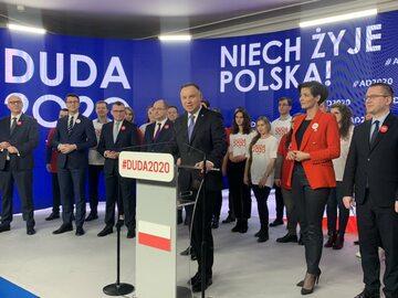 Andrzej Duda wśród członków sztabu