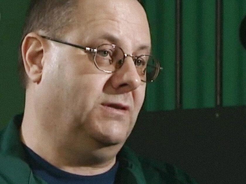 """Andrzej Kursa - kadr programu """"Interwencja: 20 strzałów - trzy ofiary"""" (2012)"""