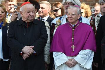 Arcybiskup Marek Jędraszewski (z prawej)