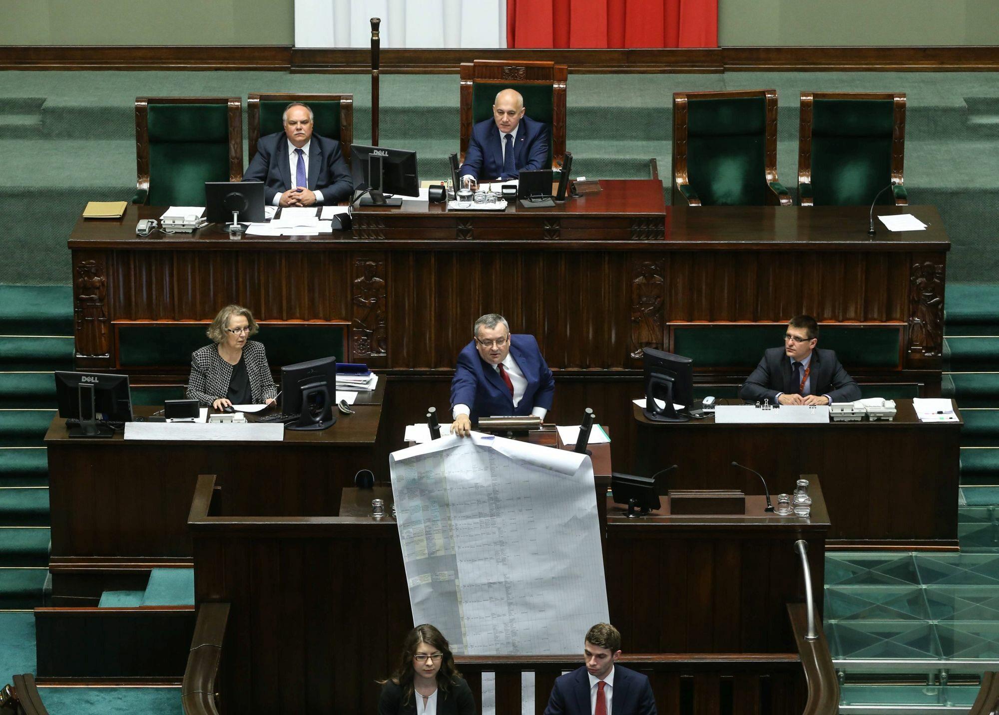 Audyt rządów PO-PSL, na mównicy minister Andrzej Adamczyk