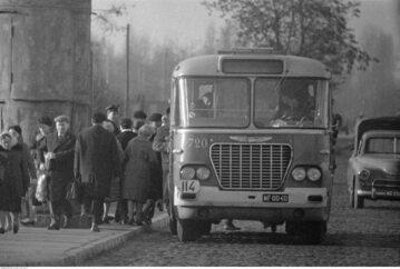 Autobus Ikarus 620 w Warszawie