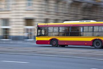 Autobus, zdjęcie ilustracyjne