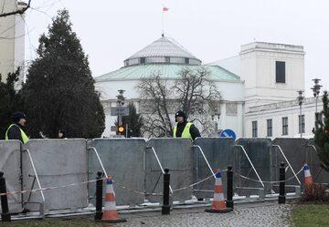 Barierki wokół Sejmu