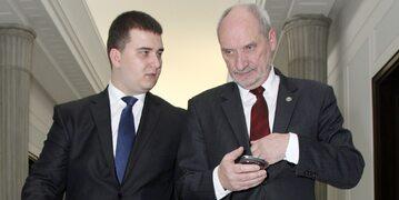 Bartłomiej Misiewicz, Antoni Macierewicz