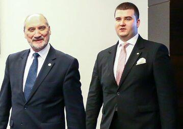 Bartłomiej Misiewicz i Antoni Macierewicz