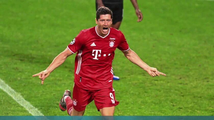 Bayern Monachium rozgromił Eintracht Frankfurt 5:0. Robert Lewandowski strzelił 3 gole i ma już na koncie 10 bramek w tym sezonie Bundesligi