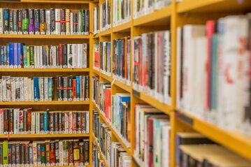 Biblioteka, zdj. ilustracyjne
