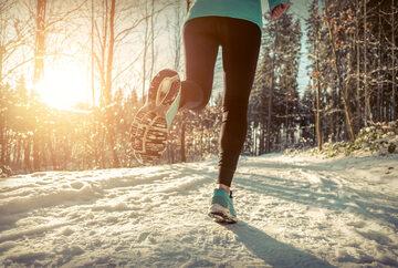 Bieganie zimą, zdjęcie ilustracyjne
