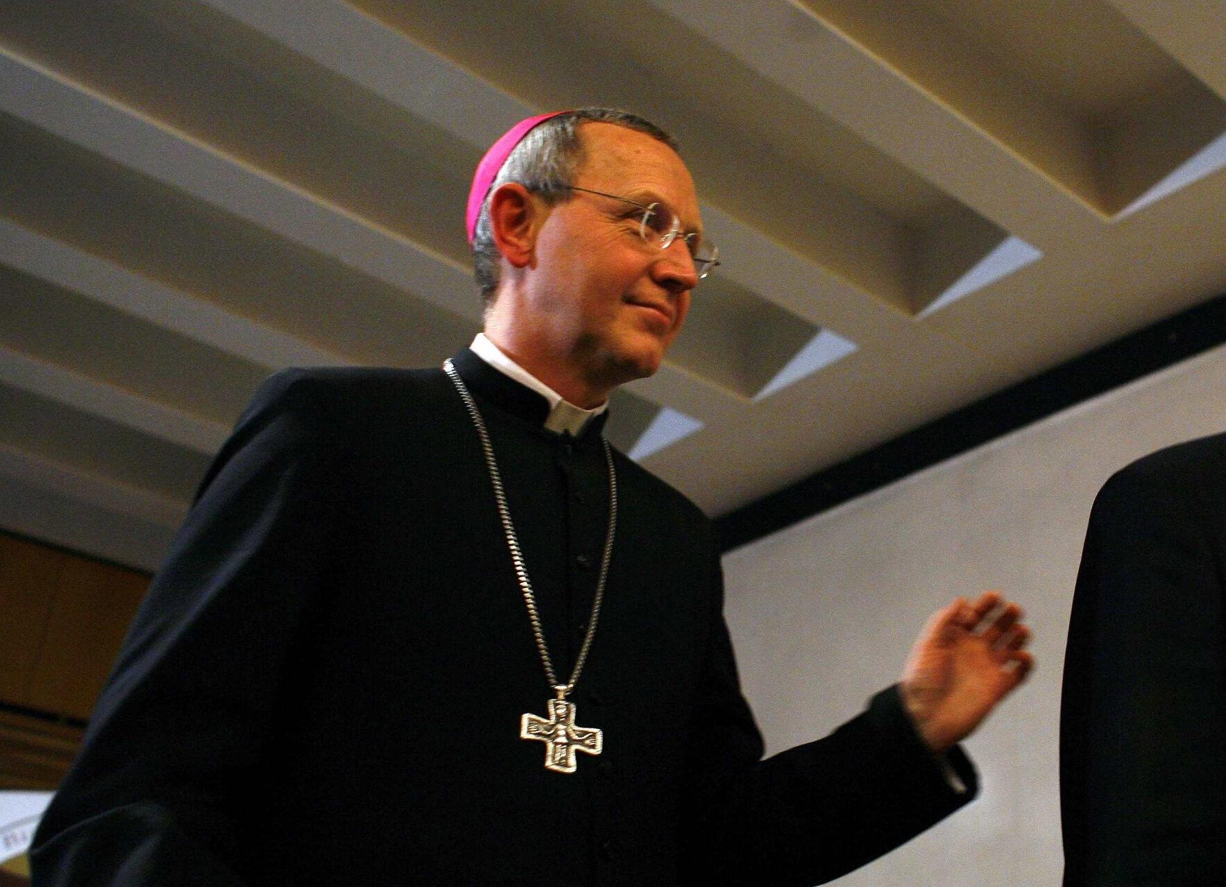 Biskup Piotr Libera