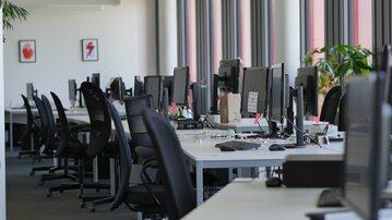 Biura wyludniły się z dnia na dzień