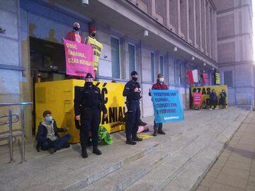 Blokada pod Ministerstwem Aktywów Państwowych