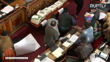 Boliwia. Bójka w parlamencie