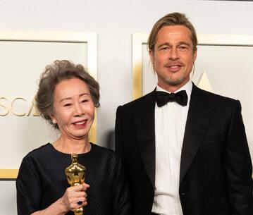Brad Pitt i Yuh-Jung Youn