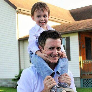Brian Dunkleman z synem w 2015 roku
