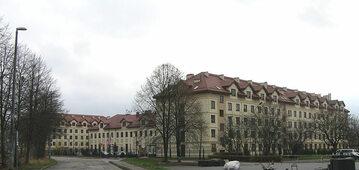 Budynki Wyższej Szkoły Kultury Społecznej i Medialnej w Toruniu w Porcie Drzewnym w Toruniu