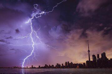 Burza, deszcz, zdjęcie ilustracyjne