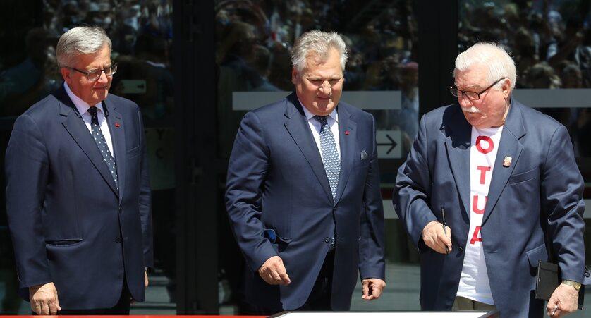 Byli prezydenci Bronisław Komorowski, Aleksander Kwaśniewski i Lech Wałęsa w 2019 roku