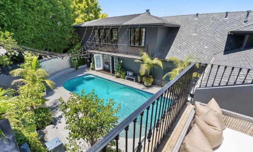 Były dom Calvina Harrisa, sprzedany Charlie XCX