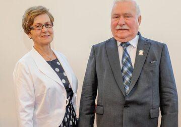 Były prezydent Lech Wałęsa z żoną Danutą