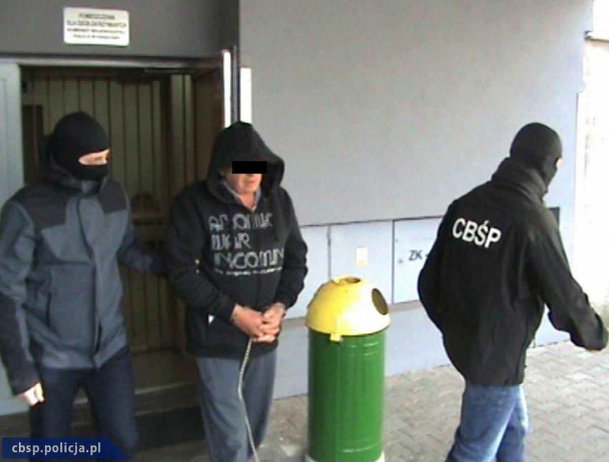 """CBŚP zatrzymało pięć osób związanych z """"gangiem kantorowców"""""""