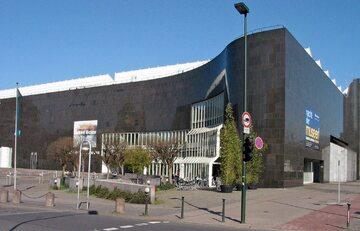 Centrum Duesseldorfu, Heinrich-Heine-Allee