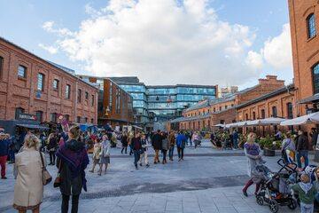 Centrum Praskie Koneser w Warszawie jest położone na pięciohektarowym, zabytkowym terenie dawnej fabryki wódki z 1895r.