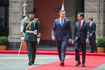 Ceremonia powitania Andrzeja Dudy
