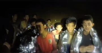 Chłopcy uwięzieni w jaskini