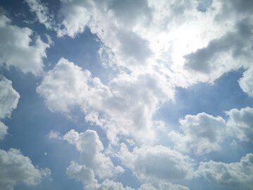 Chmury, zdjęcie ilustracyjne