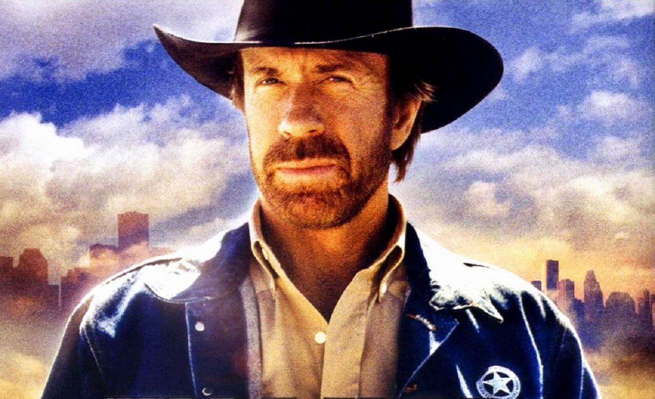 "Chuck Norris jako Cordell Walker w serialu ""Strażnik Teksasu"""