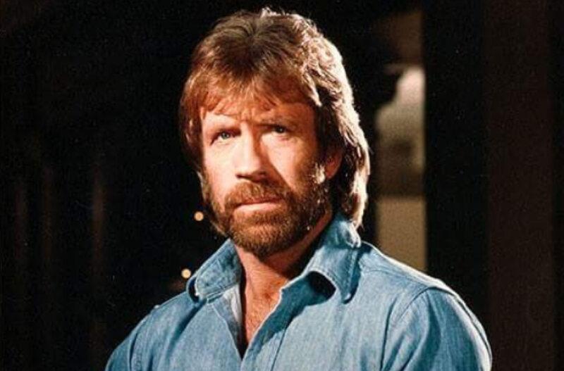 "Chuck Norris w serialu ""Strażnik Teksasu"""