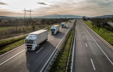 Ciężarówki, zdjęcie ilustracyjne