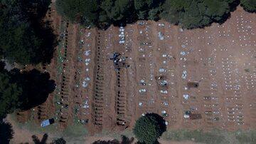 Cmentarz dla ofiar COVID-19 w pobliżu Sao Paulo