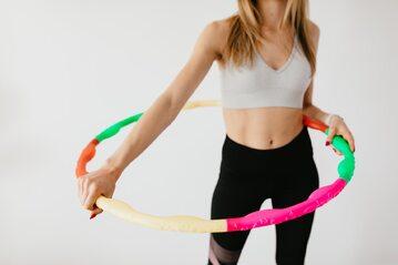 Ćwiczenia z hula-hop
