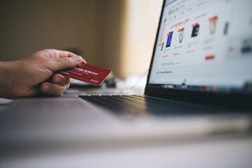 Cyber Monday, zakupy przez internet, zdj. ilustracyjne