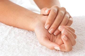 Cynk może wpływać na kondycję paznokci