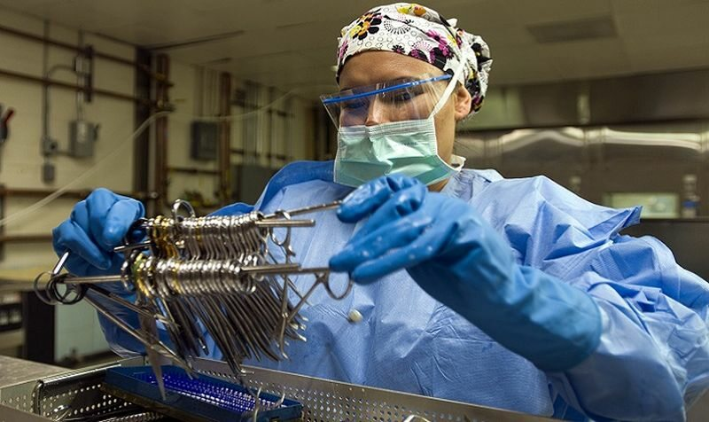 Czyszczenie narzędzi chirurgicznych