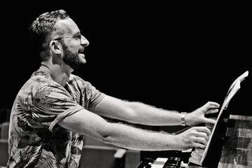 """Dariusz Przybylski, """"Already It Is Dusk"""", Requiem Records"""