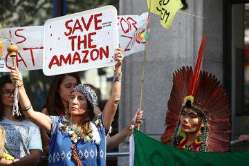 Demonstracja w celu obrony lasów Amazonii