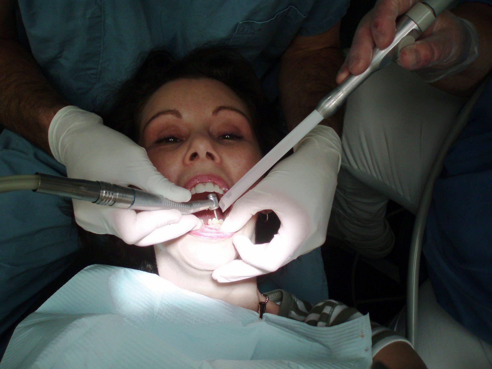 Dentysta
