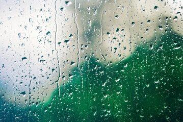 Deszcz, zdjęcie ilustracyjne