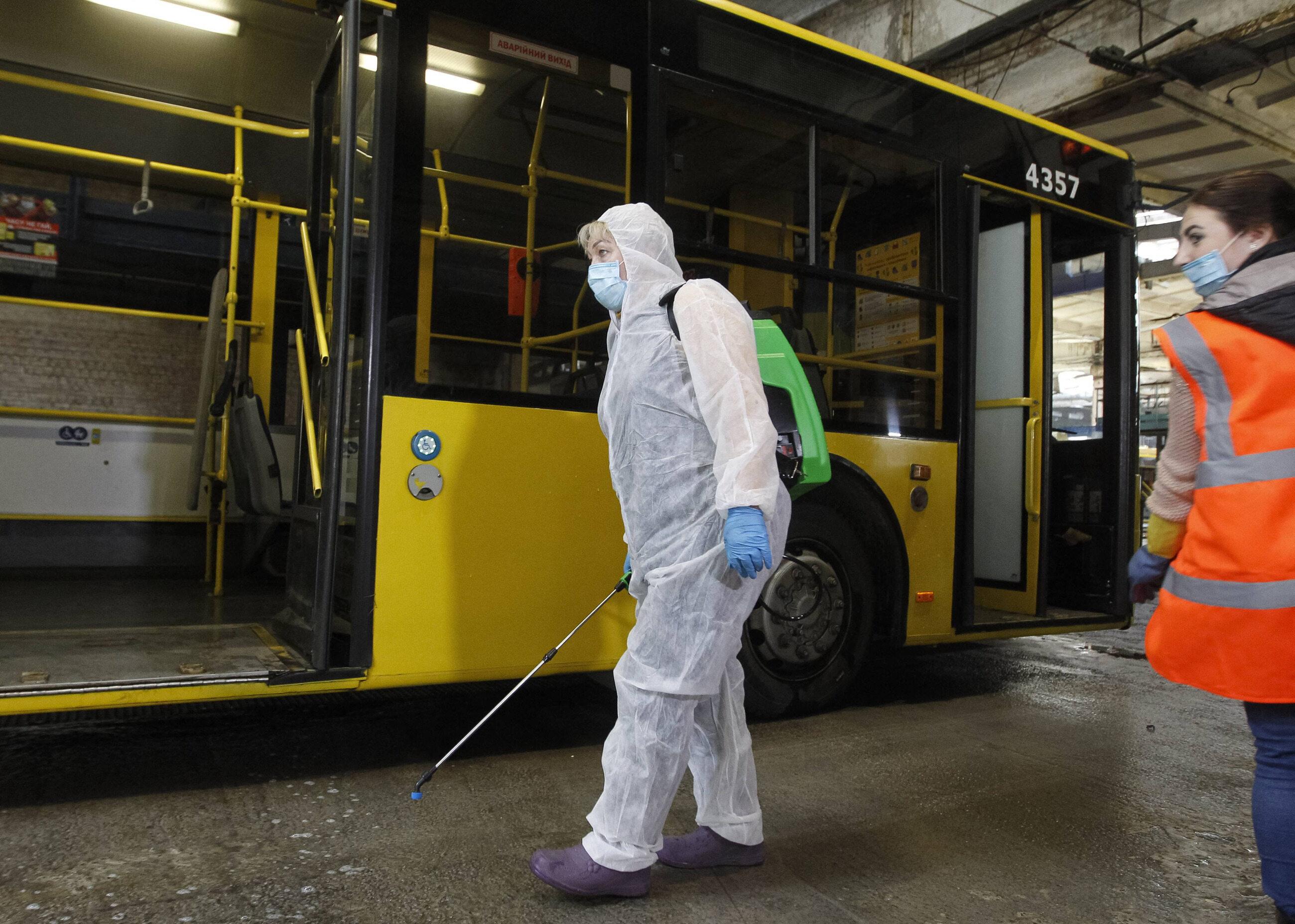 Dezynfekcja na Ukrainie w środkach transportu publicznego