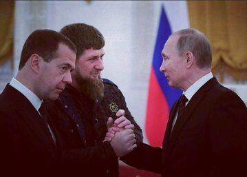 Dmitrij Miedwiediew, Ramzan Kadyrow i Władimir Putin